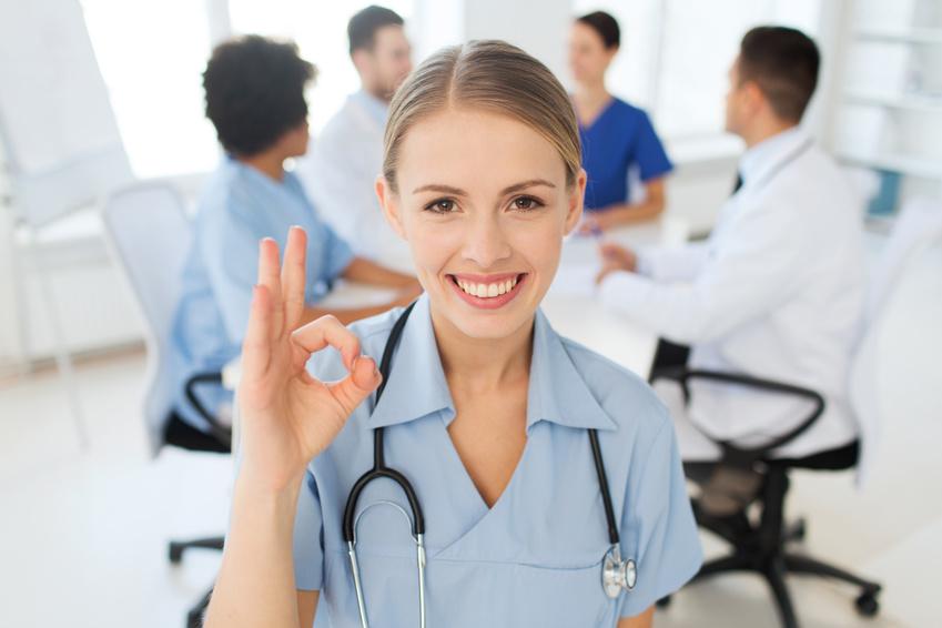 看護師が訪問看護ステーションを開設して年収1,000万円を稼ぐにはどうすれば良いか。