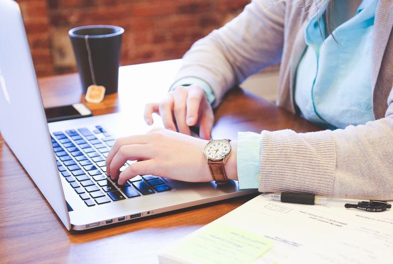 同僚との出世競争に勝つ為に勉強はいつも必要です