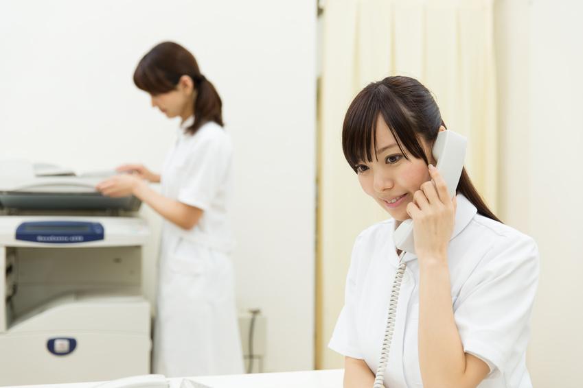 看護師の仕事はナースステーションで始まり、ナースステーションで終わります。