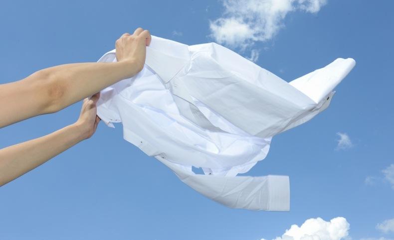 汗の臭いを抑えるためには、速乾性のある服を着るのも良いでしょう。