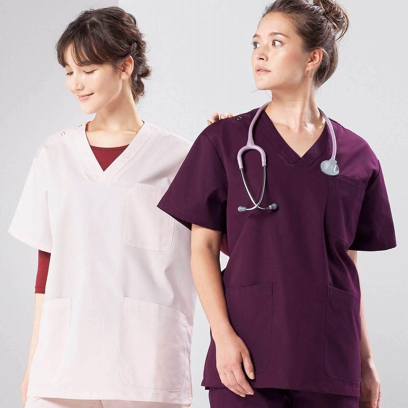 看護師のスクラブタイプの白衣