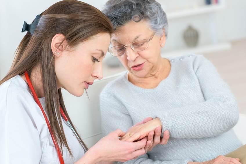 需要急増中!訪問看護ステーションの定義や診療報酬、実態を徹底解説!