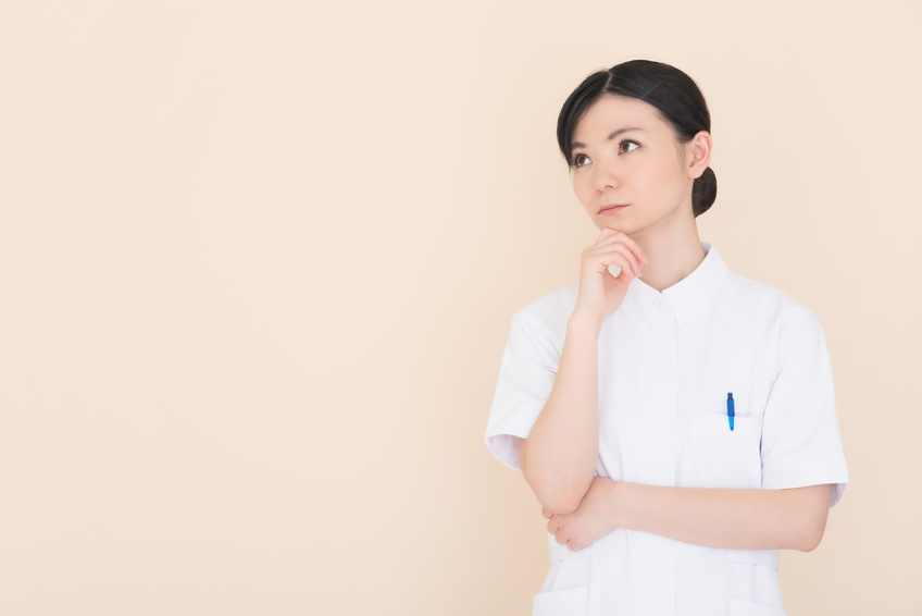 看護師の白衣はどれが良いか