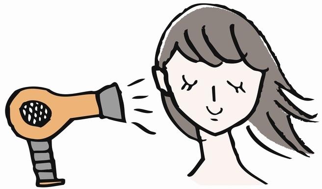 携帯用のヘアアイロンで髪型を自由自在にアレンジ出来ます