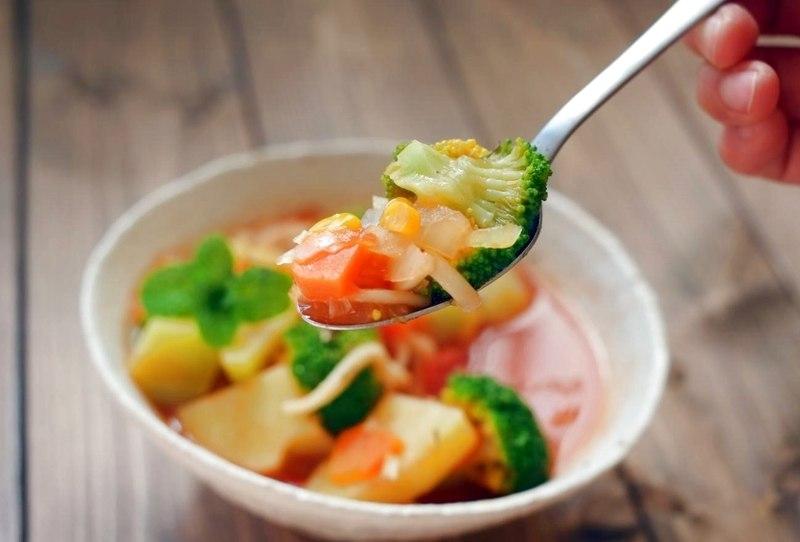 体を温めて消化に良い食事をする